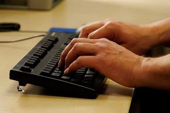 Sparpotentiale im Arbeitszimmer Bild oben Pixabay.com © Joergelman (CC0 1.0)