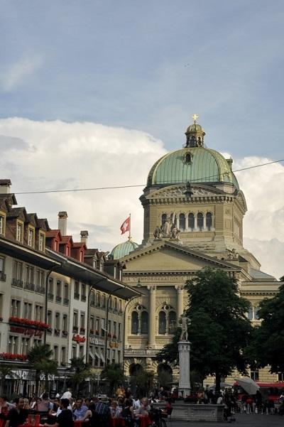 Wo finde ich die besten Schweizer Online Casinos? Ratgeber Bild mittig-oben Unsplash.com, Gerogiana Voiculescu