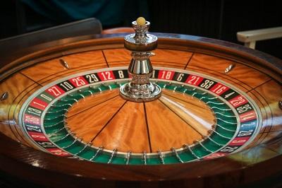 Wo finde ich die besten Schweizer Online Casinos? Anleitung Bild unten Unsplash.com, Macau Photo Agency