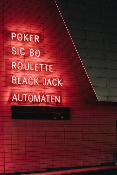 Online Casino, Stromanbieter und Shops: Boni werden immer beliebter Ratgeber Bild mittig-oben unsplash.com, Adam Jang