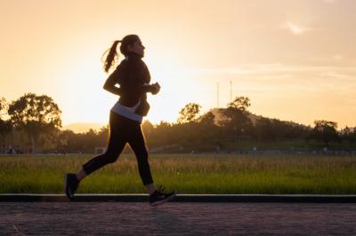 Abnehmen durch Sport und gesunde Ernährung Anleitung Bild unten