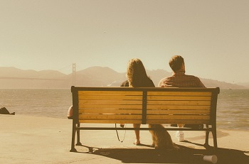 Stecken Sie wirklich in der richtigen Beziehung? Bild oben unsplash.com, Charlie Foster