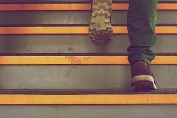 Generation Y trifft auf den Arbeitsmarkt Bild oben unsplash.com, Jake Hills