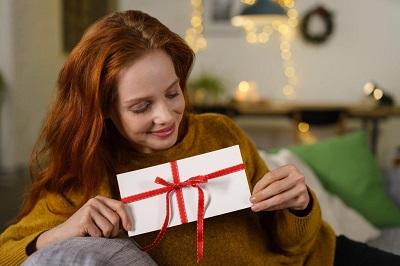 Mit Werbeartikeln den Erfolg des Unternehmens steigern Erfahrung Bild mittig fotolia.com / contrastwerkstatt (#128287825)