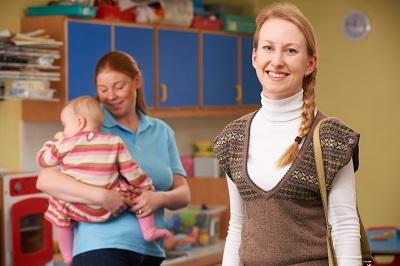 Wie finde ich den idealen Babysitter? Anleitung Bild unten